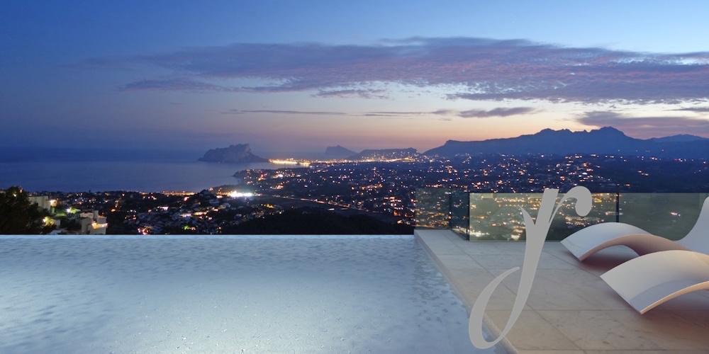 Luxury Villa with breathtaking sea views