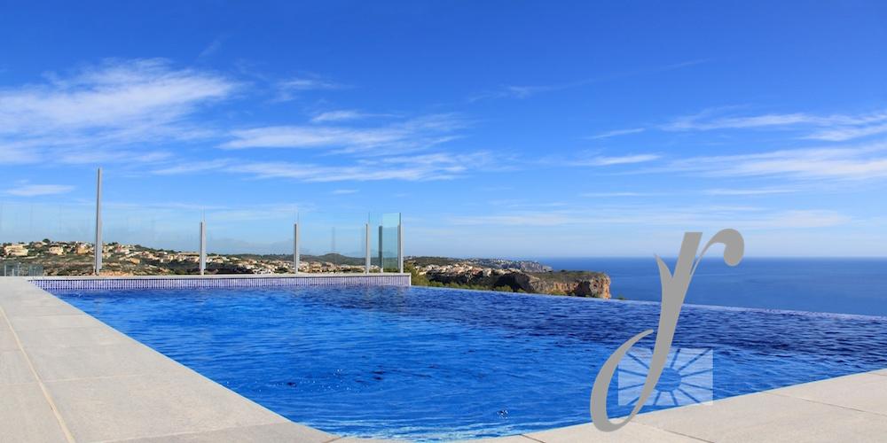 Modern Villa with Breathtaking sea views
